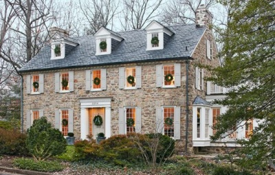 MODERN COLONIAL STYLE HOMES in RI: