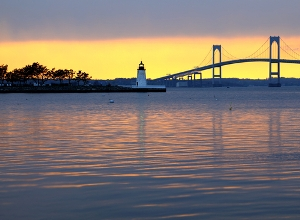 pell_bridge_lighthouse_in_Newport_RI